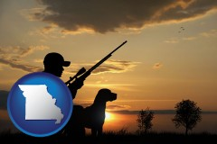 missouri map icon and a hunter and a dog at sunset